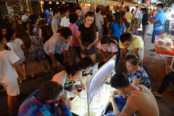 Nhiều địa phương tìm cách gỡ khó cho kinh tế đêm
